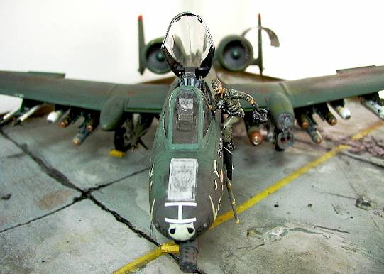 I am back! ..with Trumpeter's big A-10 Warthog