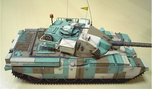 In Berlin Camouflage - Tamiya Chieftain Mk. 5 in Cold War Livery