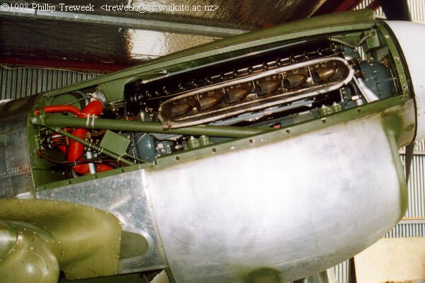 Engine installation.jpg (32751 bytes)